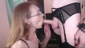 Robyn Greene - Casual Chatty Deepthroat (HD, Transgender, Oral Sex, Blowjob, Deepthroat, Webcam, 263.6 MB, 720p)